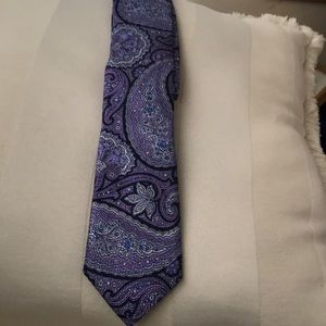 Men's tie by Cremieux.100 percent silk. NWT